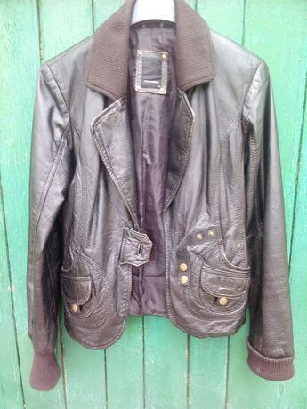 Кожаный пиджак с манжетами
