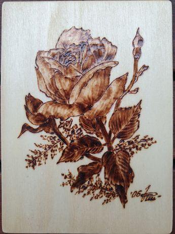 Prezent Rękodzieło obrazek kwiaty na desce ręcznie wypalany lakier