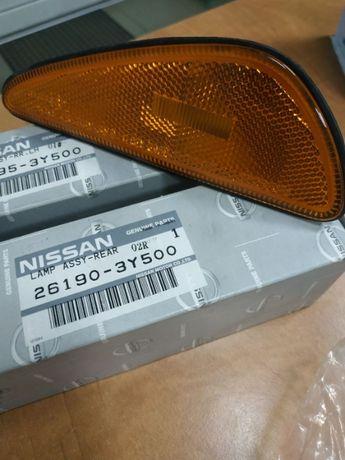 Отражатель заднего бампера правый левый Nissan Maxima 26190-3Y500