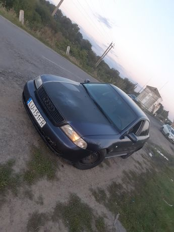 Audi a4b5 2.6 газ/бенз