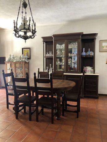 Mobília de sala de jantar completa