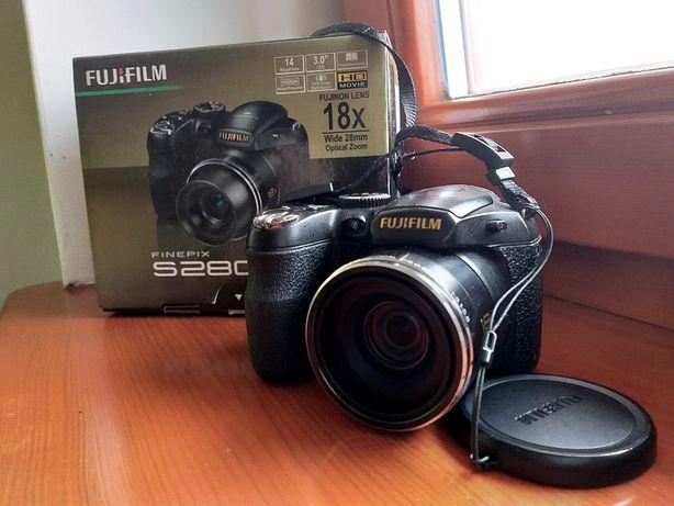 Aparat cyfrowy Fujifilm FinePix S2800 HD czarny
