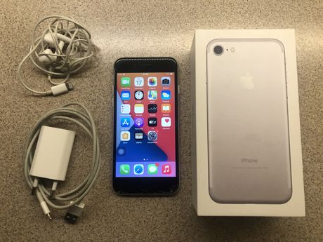 iPhone7 32GB Silver komplet!