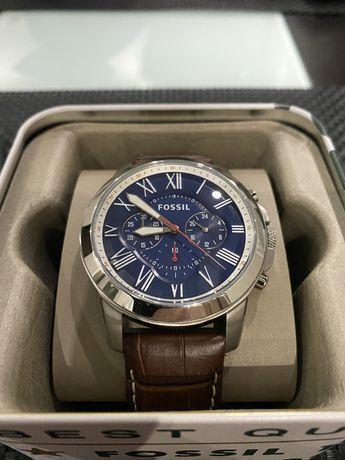 Часы Fossil FS5210