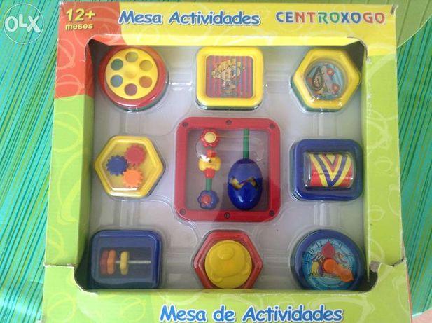 Mesa de actividades crianca
