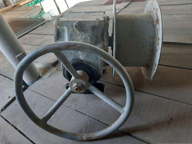 Лебедка для поднятия катера