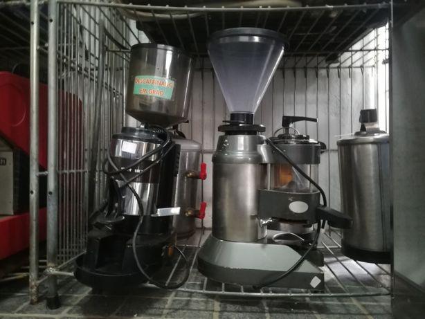 ACM795 - Moinho de café