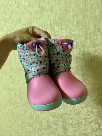 Дитячі сапожки для дівчинки Crocs