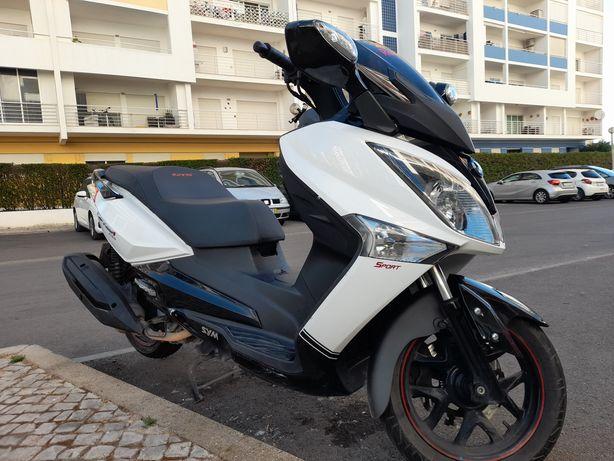 SYM 300 GTS ou troco p/ 125cc (+ acerto preço)