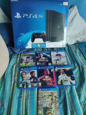 PS4 pro 1tb em exelente estado com caixa jogos e acess playstation 4