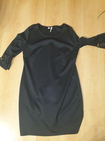 Sukienka czarna duża