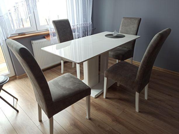 Nowoczesny stół rozkladany z krzesłami