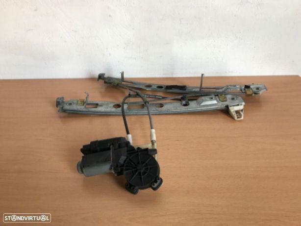 Elevador Elétrico de Porta F/DRT  Renault Megane  de 04 a 07