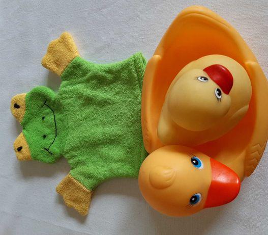 Trzy zabawki do kąpieli T