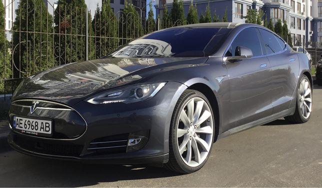 Продам Tesla s 85 или обмен с вашей доплатой .