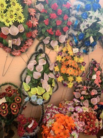Венки корзины букеты искусственные цветы