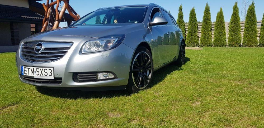 Sprzedam Opel Insignia z roku produkcji 2011 z silnikiem 2,0 CDTI Czerniewice - image 1