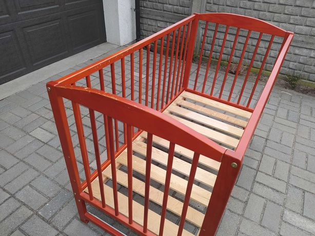 Używane łóżeczko dla dziecka