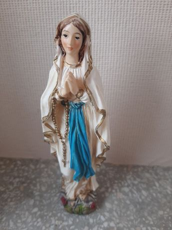 Figurka Matki Boskiej dewocjonalia