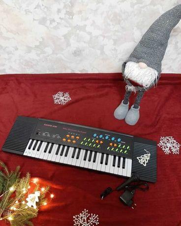Многофункциональный синтезатор с микрофоном и караоке