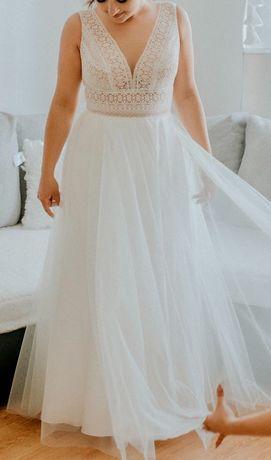 Suknia ślubna - bardzo delikatna
