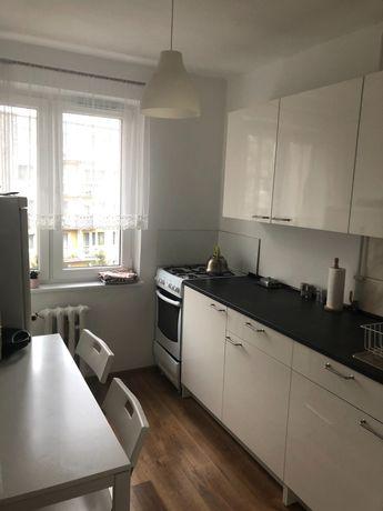 Wynajmę mieszkanie 3 pokoje, 53 m2 Winogrady Pod Lipami w niskim bloku