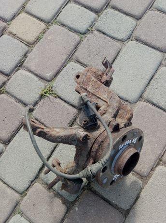 передня права ступиця Skoda A5