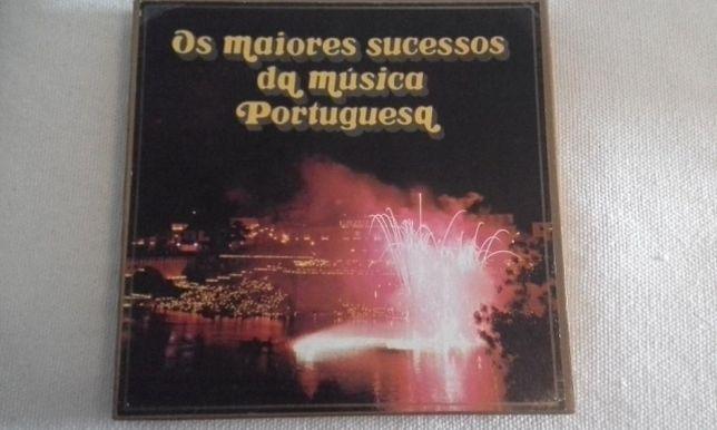 Caixa de discos vinil de musica portuguesa dos anos 40 até 70