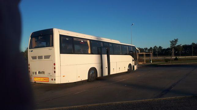 Autocarro 65 lugares