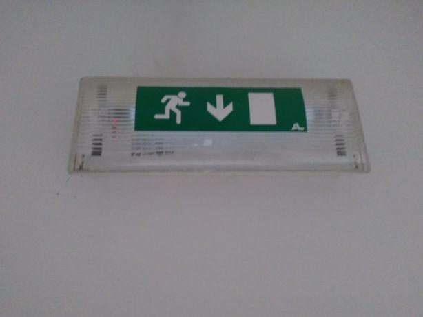Luz saída emergência