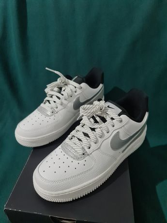 Ténis Nike Air Force 1 07 SE. (special edition)