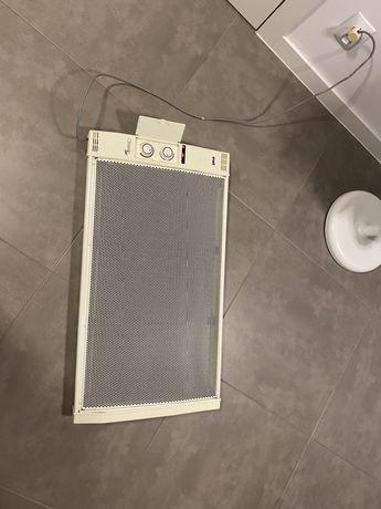 Grzejnik elektryczny 1500 W