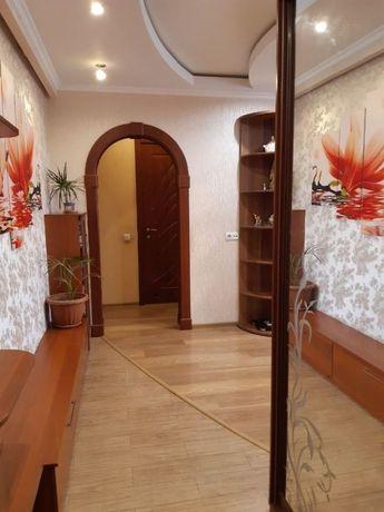 Продам 3-х комнатную квартиру с евроремонтом на Тополе 1-3.