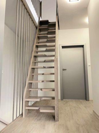 Drewniane nowe schody