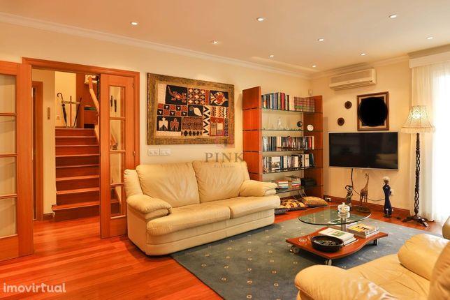 Apartamento T3 Duplex - Mobilado - Funchal