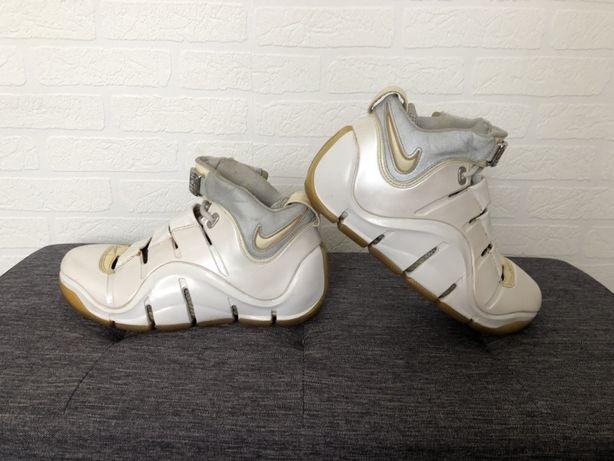 Buty Nike Lebron IV white king James Family rozmiar 40,5