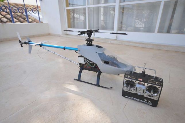 Helicóptero Rc marca KALT Space Baron 30 em ótimo estado