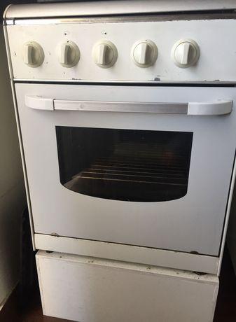 Fogão com forno ambos a gás