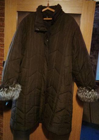 Очень теплое пальтишко 62/64размера.