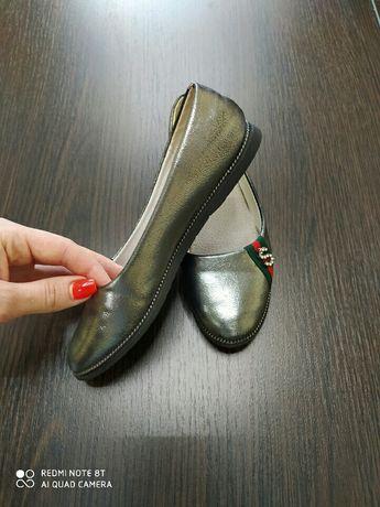 Продам туфельки на девочку 33р.