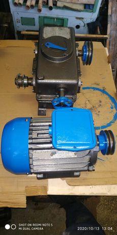 Електродвигун з редуктором 2.2kw 1420 об в хв. 380