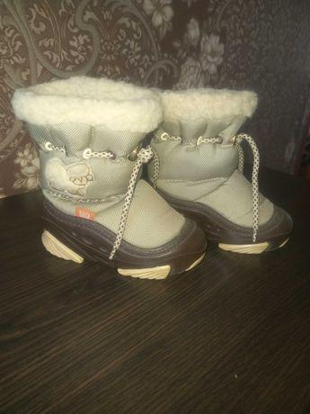 Продам зимові черевики Demar