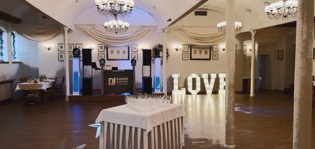 Dj wodzirej na wesela imprezy akordeonista foto budka napis love led