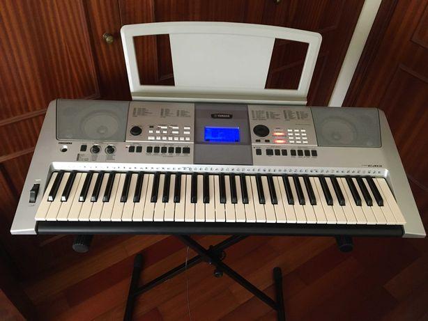 Teclado/Orgão Yamaha PSR E413 em bom estado!!