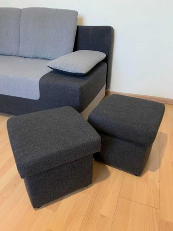 Sofa z funkcją spania w zestawie z  pufami