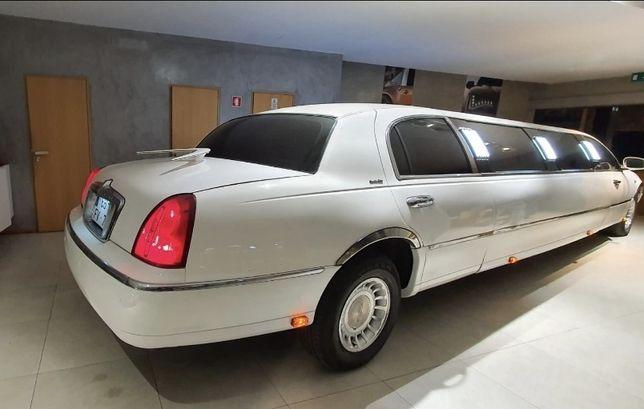 Vendo Limousine LINCOLN ROYAL   VERSÃO TOP DE GAMA E A MAIS LONGA