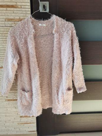 Sprzedam sweter narzutkę 134/140
