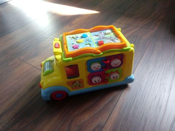 Autobus interaktywny / jeździ / święci