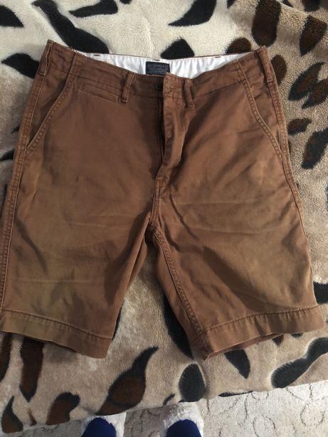 Отдам мужские шорты Levi's