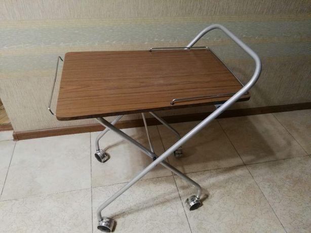 складной сервировочный столик